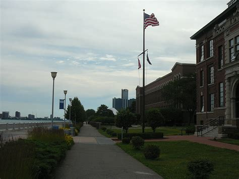 Vibrant urban waterfronts: The Detroit River | Modern Cities