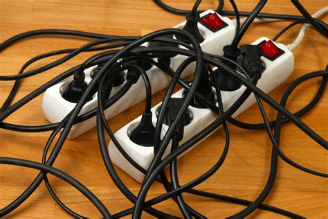 How To Choose, Buy And Safely Use A Good Surge Protector