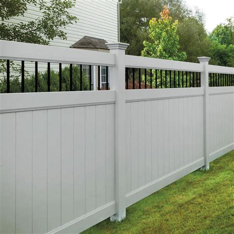 Privacy Style Fence | Builder's Choice Vinyl Fencing